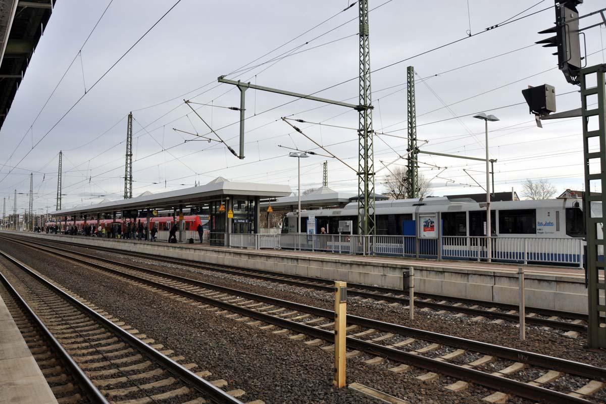 Fahrplan Düren Köln